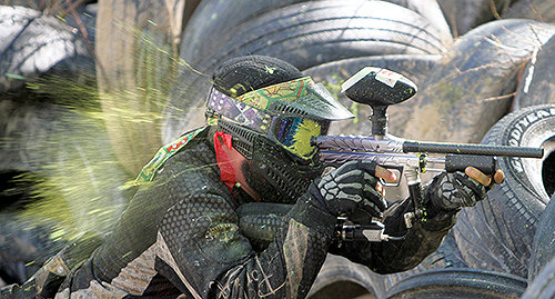 Paintball and airsoft differences